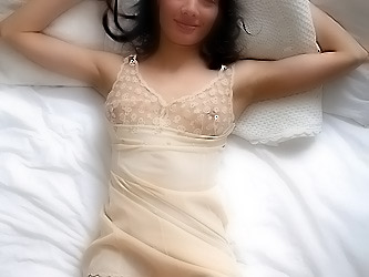 Solo sex with big toy
