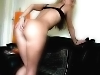 Juicy Cunt Girlfriend Cummed On