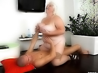 He fucks a BBW hooker real hard