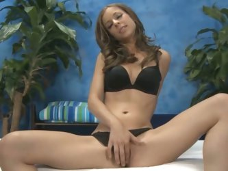 Gorgeous presley hart gives a massage