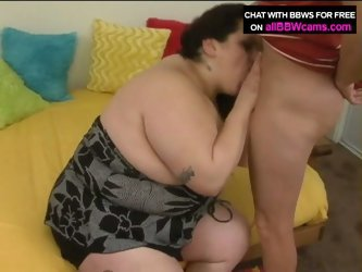 Brunette bbw big tits gets pussy fingered and gives blowjob