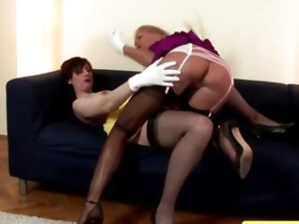 Mature stockings lesbian sucking on pussy and loves it