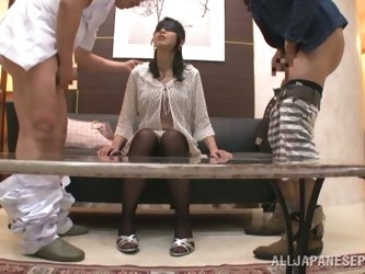Blindfolded Norika Serizaw sucks two dicks and gets a mouthful