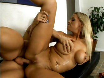 Kylie G Worthy deepthroats a cock and gets her vag fucked from behind