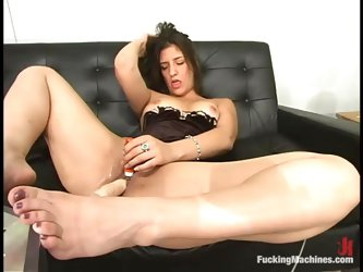 Meriesa gets many orgasms while testing a fucking machine
