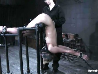 Vendetta gets her cunt toyed to orgasm in a nice BDSM scene