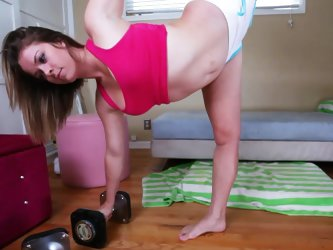 Flexible Sierra Sanders is poking her cute pussy