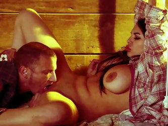 A dude plays out his twisted fantasy in this video. He ties up his woman in the barn and he has his way with her. See her getting her tight pussy ramm