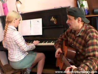 This slim blondie with nice butt and sweet tits is a great pianist. But this charming chick is also a futuristic lover. Wondrous whore gets rid of her