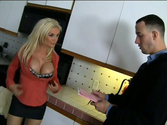 Blonde milf Diamond Foxxx is so horny that she wears the most open cleavage to seduce Chris Strokes. He really wants to suck on those titties and eat