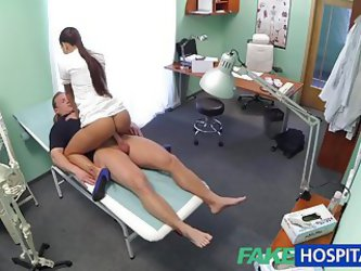 Fakehospital Hot Brunette Nurse Gives Patient Some Sex