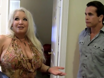 Well-rounded missis Rachel Love explains Talon that she can demonstrate him real passion. He gets hypnotized with her boobs and lingerie so gets ready