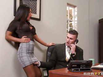 This big breasted beauty can't wait, to fuck her boss at work. She looks super sexy in her work clothes and she has luxurious dark skin. She suck