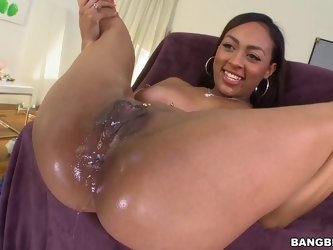 Cherry Hilson gets her butt pounded deep in hardcore anal scene
