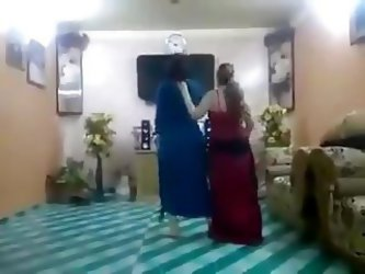 Iraqi Women Dance