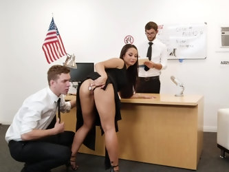 A thorough interview with airport security turns into a threesome in this porn scene starring Crystal Rush. She ends up with a dick in her ass and ano