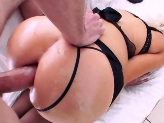 Curvy blonde porn queen gets fucked and facialized by her lover