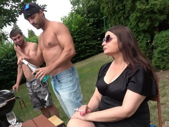 Amateur outdoors oral threesome with two handsome dudes and Iveta