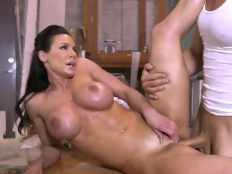 Many girls prefer to be fucked like queens on comfortable beds. Dazzling MILF Kendra Lust doesn't care about it. Sex is more important for this f