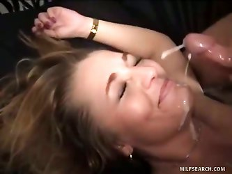 Australian Tourist MILF Gets Fucked By Canadian