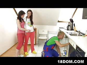 2 Hot Chicks Fucking a Plumber