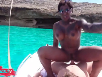 EBONY GIRL GETS PUBLIC FUCKED ON A BOAT WHILE PEOPLE WATCHIN