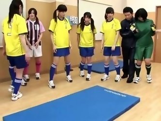 STP7 Japanese Teens Football Training Part 1 !