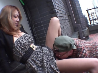 This sweet lady will gladly take care of his sexual needs. After having her pussy licked, she goes down on her knees and just starts sucking off this