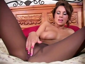 Amy Ried pantyhose jerk off encouragement