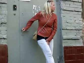 Shocked old woman saw this blonde Russian girl pissing in her yoga pants! Pissing fetishist girl finds a hidden place at the parking lot and changes u