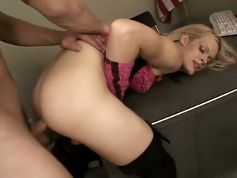 Sweet tranny babe loves blonde fuck action