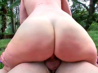 Mariah Milano and Linda Gapes getting slammed in the garden