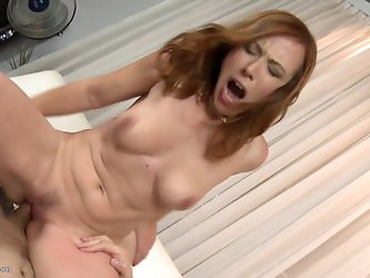 Posh mature mom suck and fuck huge cock