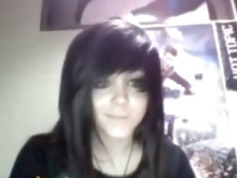 Emo girl cums hard on omegle (re-up)