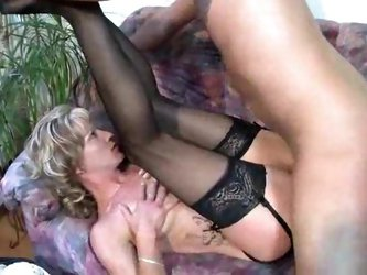 Mature German couple fucked on the couch