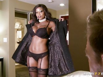 Mommy Diamond is an experienced lady that had a lot of hard cocks at her time. This broad is just like a bottle of fine wine, refined and delicious! S