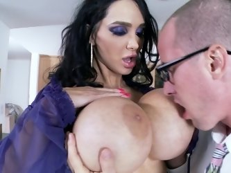 Amy Anderssen and her giant tits make a nerdy guy cum