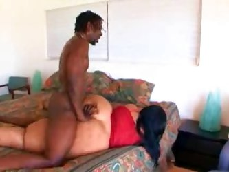 Black guy nails a super BBW